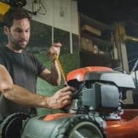 remove lawn mower spark plug